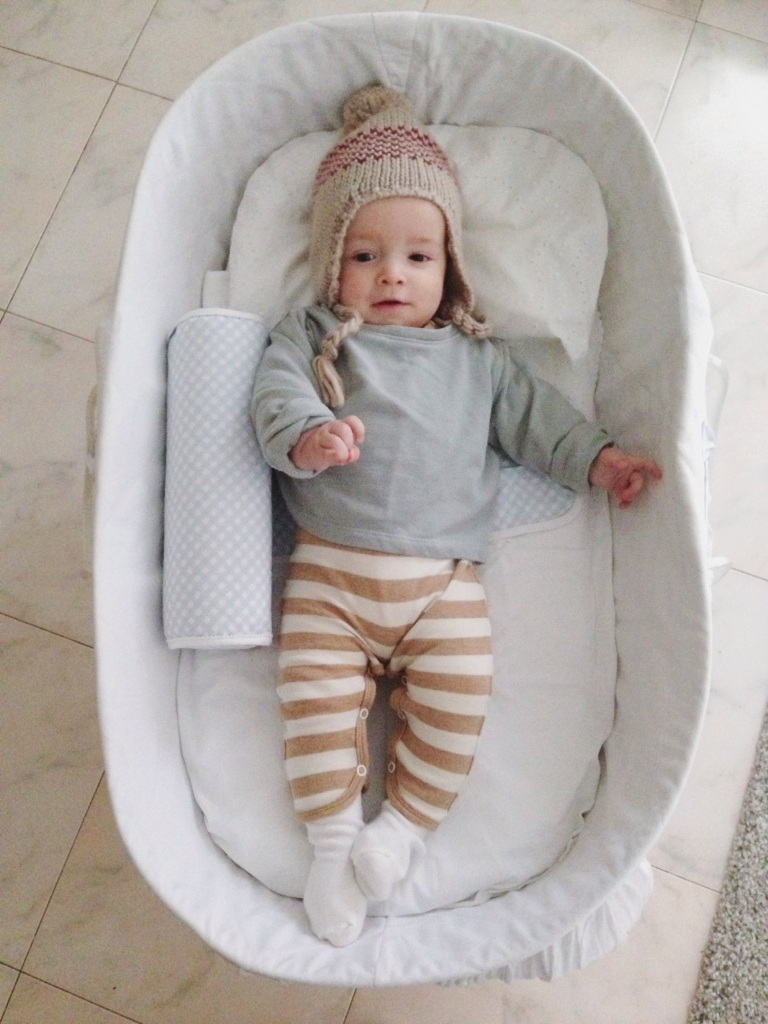 H&M: sweatshirt. Zara: hat. UMA: body.
